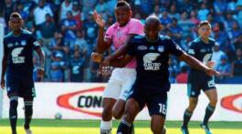 Redacción LR NOTICIAS RELACIONADAS Barcelona SC e Independiente del Valle empataron sin goles en la Serie A de Ecuador Barcelona SC e Independiente del Valle empataron sin goles en la Serie A de Ecuador Emelec perdió de local 1-0 contra Liga de Quito por la Serie A de Ecuador [RESUMEN] Emelec perdió de local 1-0 contra Liga de Quito por la Serie A de Ecuador [RESUMEN] Emelec empató 1-1 ante Técnico Universitario y se aleja del primer lugar Emelec empató 1-1 ante Técnico Universitario y se aleja del primer lugar Barcelona SC venció 3 a 1 a Emelec en el Clásico del Astillero Barcelona SC venció 3 a 1 a Emelec en el Clásico del Astillero Emelec volvió al triunfo en el estadio George Capwell ante Independiente del Valle (2-1) por la fecha 9 de la Primera Etapa de la Serie A de Ecuador. Tras cuatro jornadas de tropiezos, el vigente campeón del fútbol ecuatoriano volvió a sumar de a tres impulsados por el zaguero Marlon Mejía, por el extremo Ayrton Preciado y por el atacante Marlon De Jesús, el héroe de la tarde. PUEDES VER Barcelona SC venció 3 a 1 a Emelec en el Clásico del Astillero Ayrton Preciado (32') y Marlon de Jesús (80') anotaron los goles para el 'Bombillo', mientras que Maxi Barreiro (42') había puesto el empata parcial. Emelec suma 16 puntos en la tabla de posiciones, se ubica quinto, a 4 unidades del líder Barcelona SC. Segundo tiempo 90+3' ¡Finaaaaaaaaal! Ganó Emelec de local. 90' Se agregan tres minutos. 87' ¡Se salva Emelec! Barreiro probó de chalaca pero atrapó bien Dreer. Tiro de esquina Cambio en Independiente: sale León, entra Estrada. Tiro de esquina 83' Tarjeta amarilla para Pedro Quiñónez de Emelec. Tiro de esquina 81' Amonestado Sebastián Méndez en la visita. Gool 79' ¡Goooooooooooooool de Emelec! Marlon De Jesús marca el segundo con un tiro bajo. Tiro de esquina Cambio en Independiente: ingresa Mejía, sale B. Arce. 70' Le cuesta a ambos equipos llegar con peligro al área rival. 63' Preciado remató muy alto, tras un pase forzado que mandó Mondaini