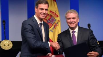 Pedro Sánchez junto a Iván Duque