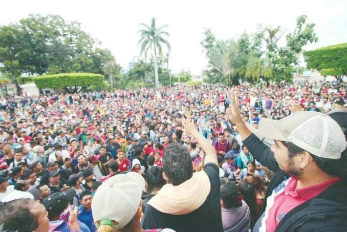 Caravana LGBT se une a caravana migrante
