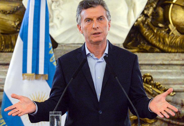 Macri defiende políticas monetarias de su gobierno