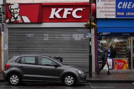 KFC en Reino Unido, cierran por falta de pollo