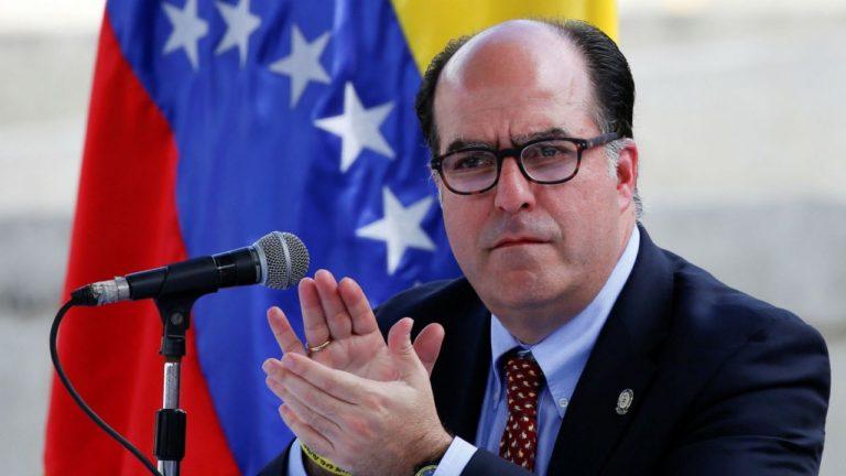 Oposición venezolana indecisa en elección presidencial