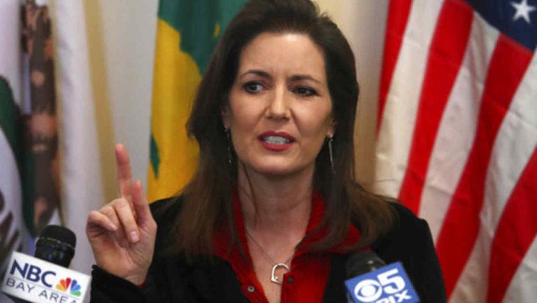 La alcaldesa de Oakland contraataca al fiscal Sessions