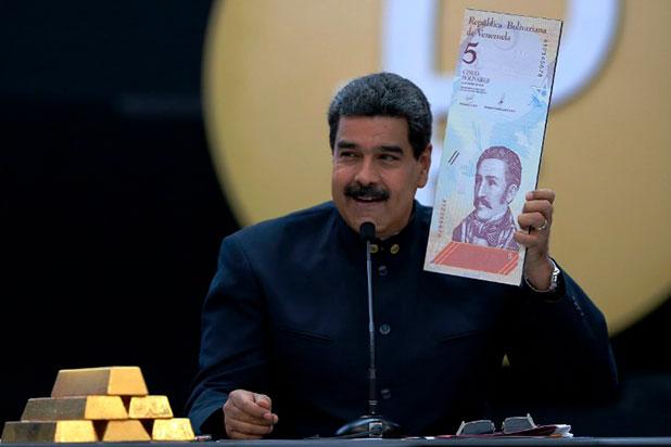 Maduro se burla de la renuncia de Kuczynski