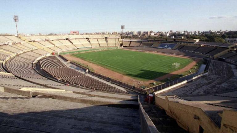 """Consideran demoler el estadio """"Centenario"""""""