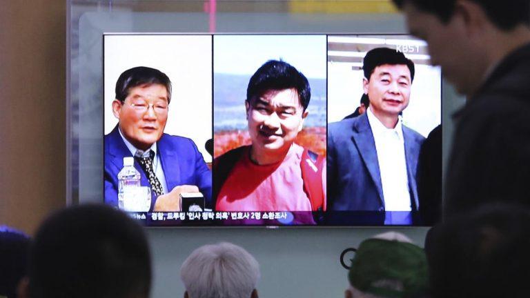 Liberan a estadounidenses presos en Norcorea