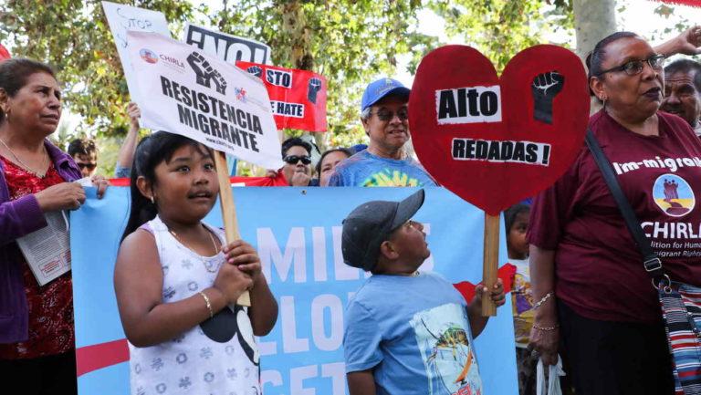 Gobernador de Colorado evita que niños sean separados