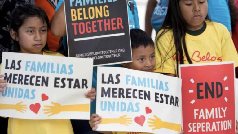 Demandan a Trump por cerrar programa de asilo