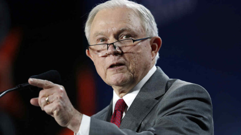 "Ex fiscales ""horrorizados"" piden cese de política migratoria"