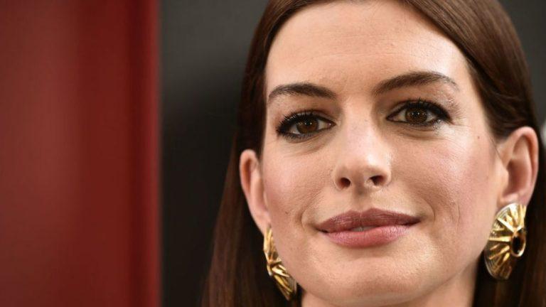 """Hathaway denuncia el """"privilegio de blancos en EEUU"""""""