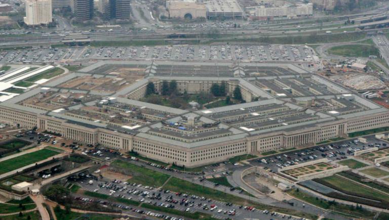 El Pentágono autoriza $1.000 millones para construcción del muro