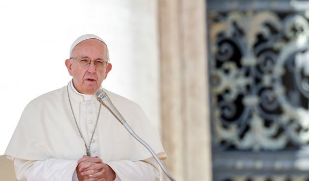 Papa Francisco dice 'la pederastia es como los sacrificios humanos con niños'