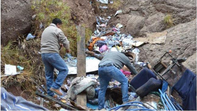 7 niños de equipo peruano, mueren tras caer al precipicio