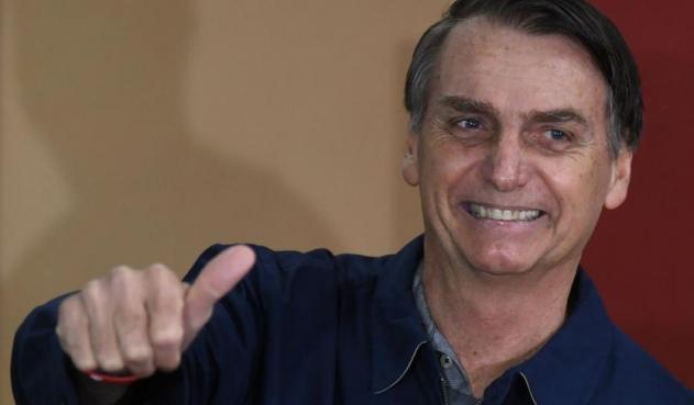 Jair Bolsonaro felicita a policías que mataron a delincuente