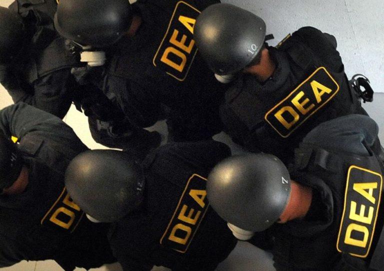 Detenido agente latino de la DEA por narcotráfico