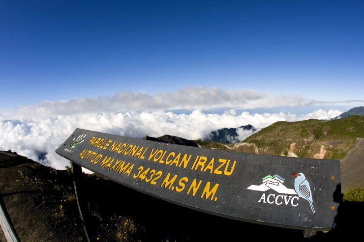 Reabren Parque Volcán Poás tras erupción