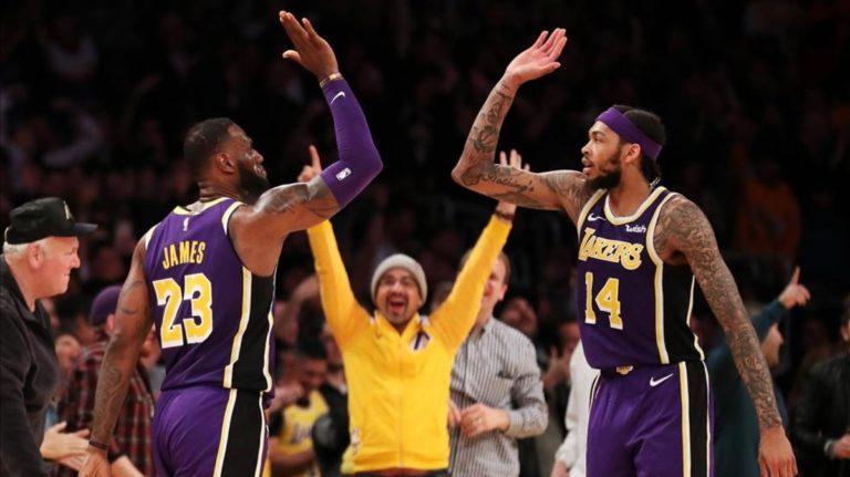 LeBron lidera la victoria de los Lakers