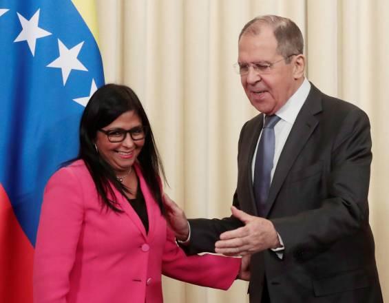 Maduro traslada sede petrolera a Rusia
