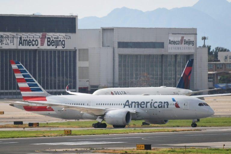 Multan a American y a Delta por retraso de vuelos