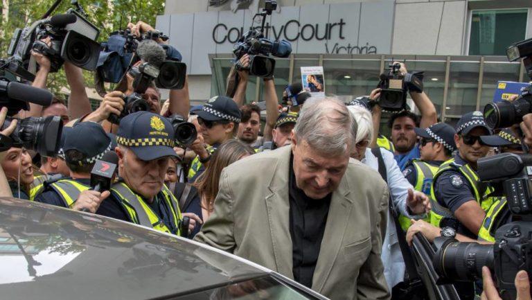 Cardenal George Pell condenado a prisión por pederastia