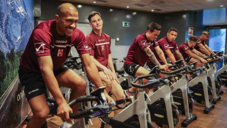 Vinotinto de fútbol entrena en Madrid para enfrentar a Argentina