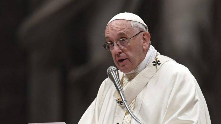 El papa compara el aborto con el sicariato