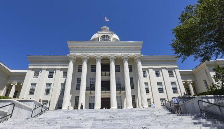 Alabama aprueba castración química de pederastas