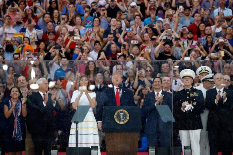 Por politizar: Trump divide EE.UU. en celebración del 4J