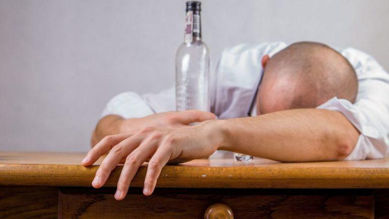¡Alerta! Alcohol adulterado deja 19 muertos en Costa Rica