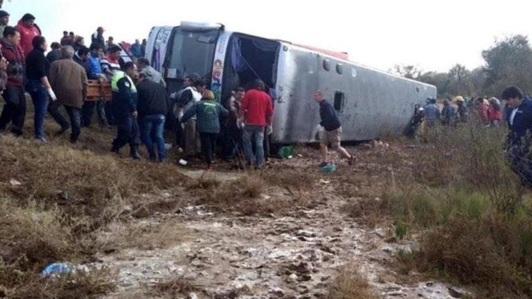 13 muertos en accidente de autobús en Argentina