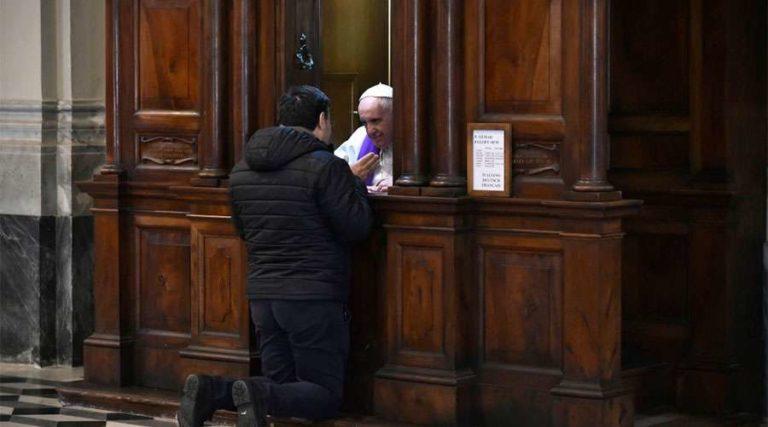Vaticano: Secreto de confesión no puede romperse
