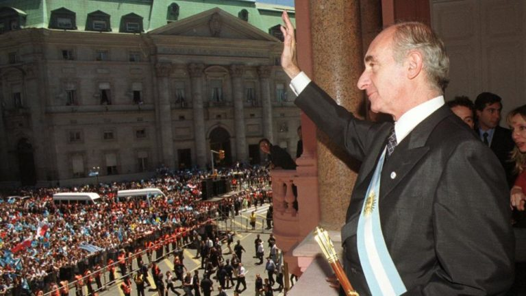 """Muere el presidente del """"corralito"""" Fernando De La Rúa"""
