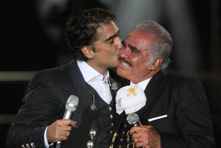 """""""El Charro"""" Vicente Fernández defendió a """"El Potrillo"""""""