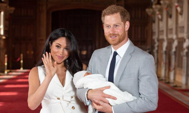 Duques de Sussex rompen regla de oro en bautizo real