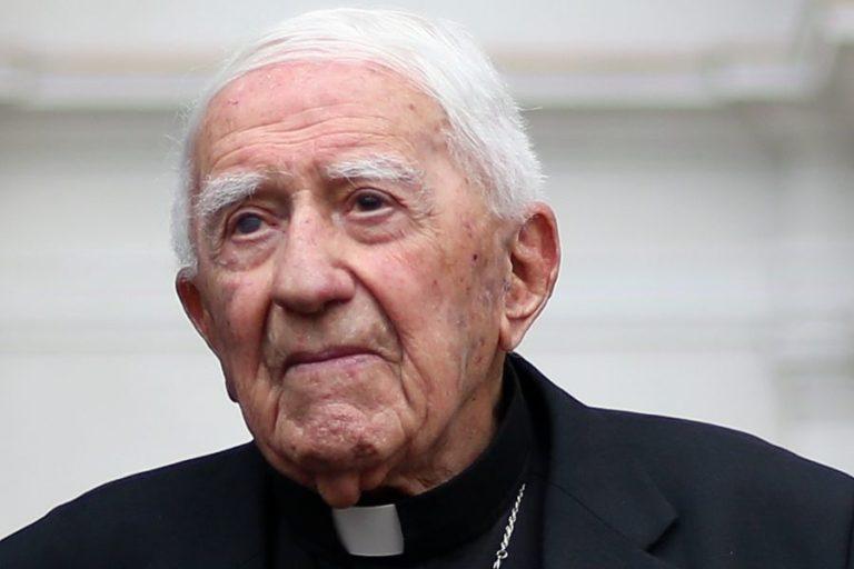 Vaticano investiga a arzobispo, tío de Sebastián Piñera