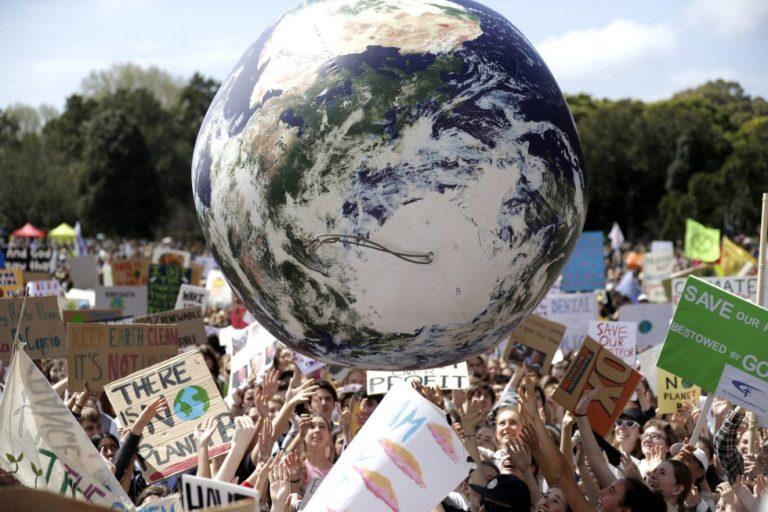 Cambio climático: Jóvenes lideran protestas en el mundo