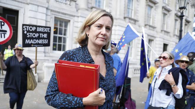 Dimite ministra británica de Trabajo y Pensiones