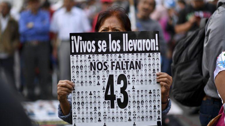 México sigue en la búsqueda de los 43