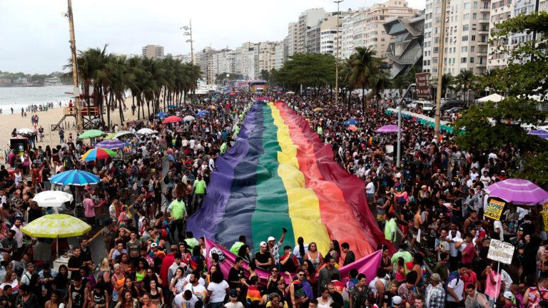 Miles celebraron, en Brasil, el orgullo LGBT