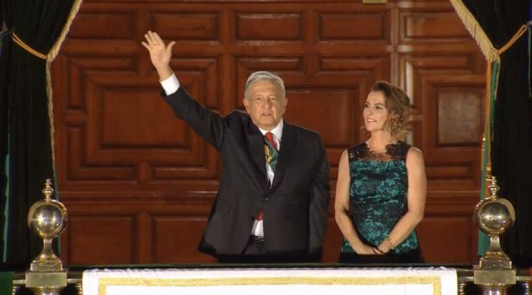 """López Obrador y sus 20 """"vivas"""" por la Independencia de México"""