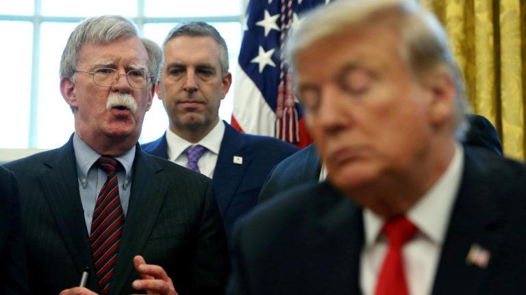 """Trump sobre Bolton: """"Se pasó de la raya"""" con Venezuela"""