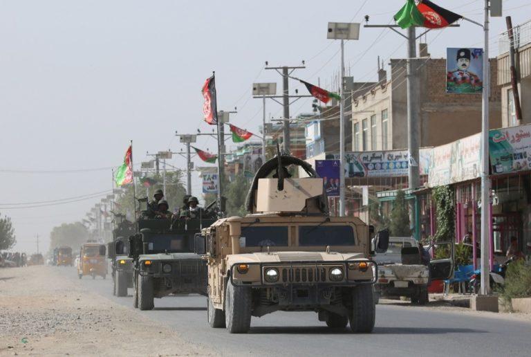 Líderes talibanes sí quieren un pacto con Estados Unidos