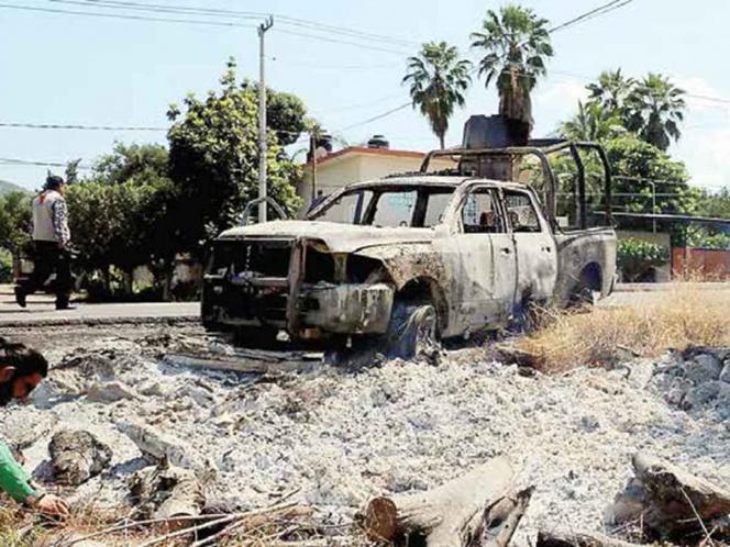 ¿Logros en seguridad? Matan a 13 policías en Michoacán