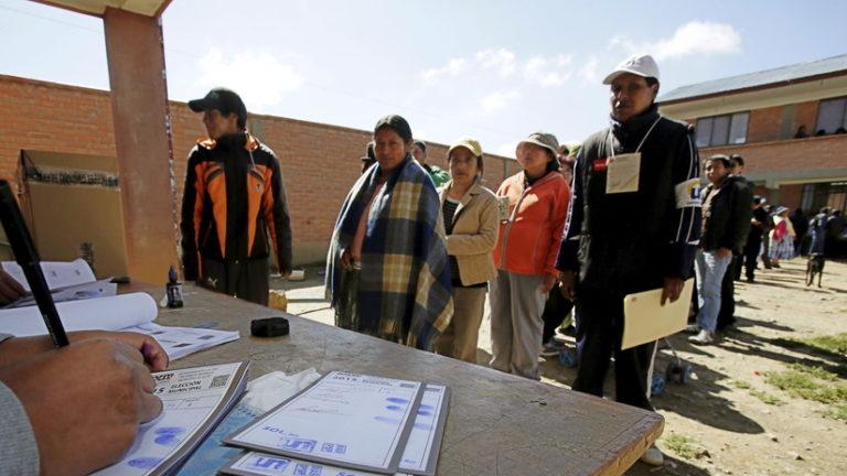 ¿Morales o un cambio?: Arrancan elecciones en Bolivia