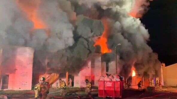¡Sin heridos! Bomberos apagan fuerte incendio en apartamento
