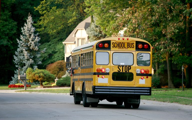 Accidente de autobús escolar deja 9 niños lesionados