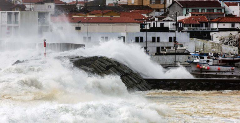 Lorenzo impactó las Azores como huracán de categoría 2
