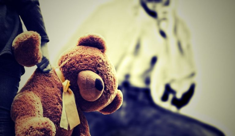 Acusan a exministro metodista de abusar de niña de 10 años