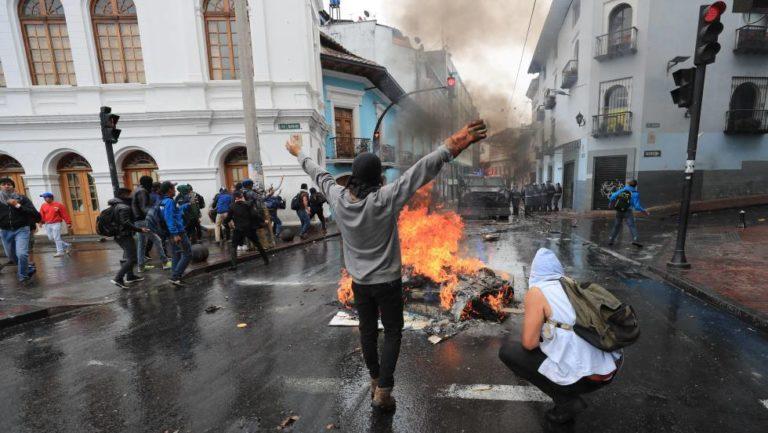 Ecuador convulsionado: Saqueos, disturbios y estado de excepción