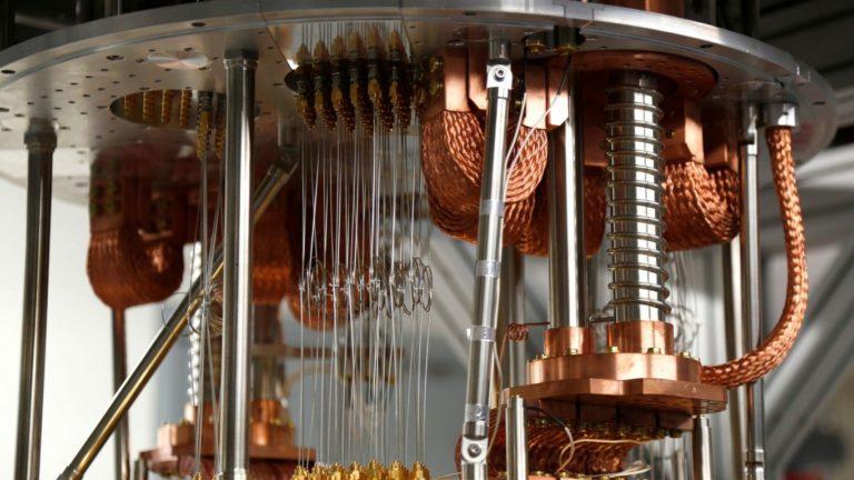 IBM lanza el ordenador cuántico de mayor potencia